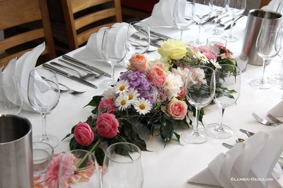 Tischdeko-rosa-weiss